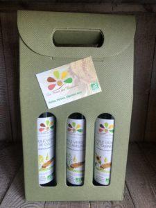Lot de 3 bouteilles d'huile en 25 cl : cameline, colza et tournesol - présenté en valisette verte - La Ferme des Bouviers